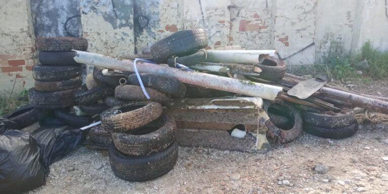Residuos extraídos del fondo marino de la Cala del Ministre