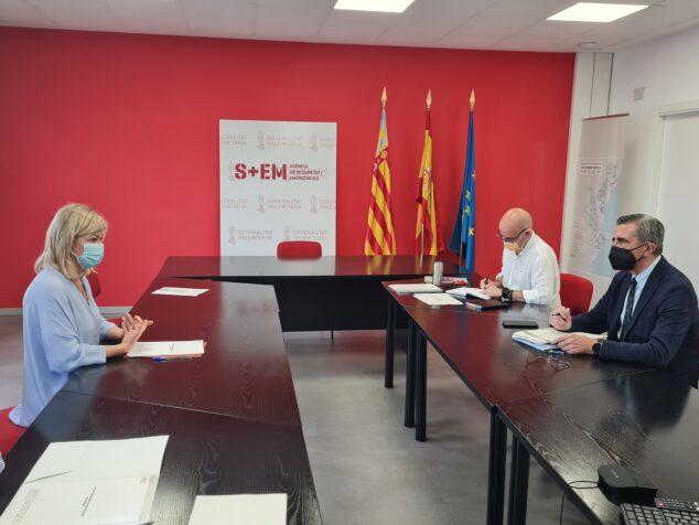 Imagen: Reunión de la consellera Gabriela Bravo