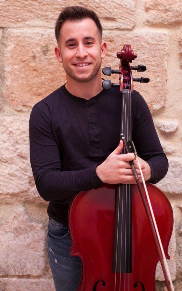 Imagen: Sergio Camarasa con su violonchelo