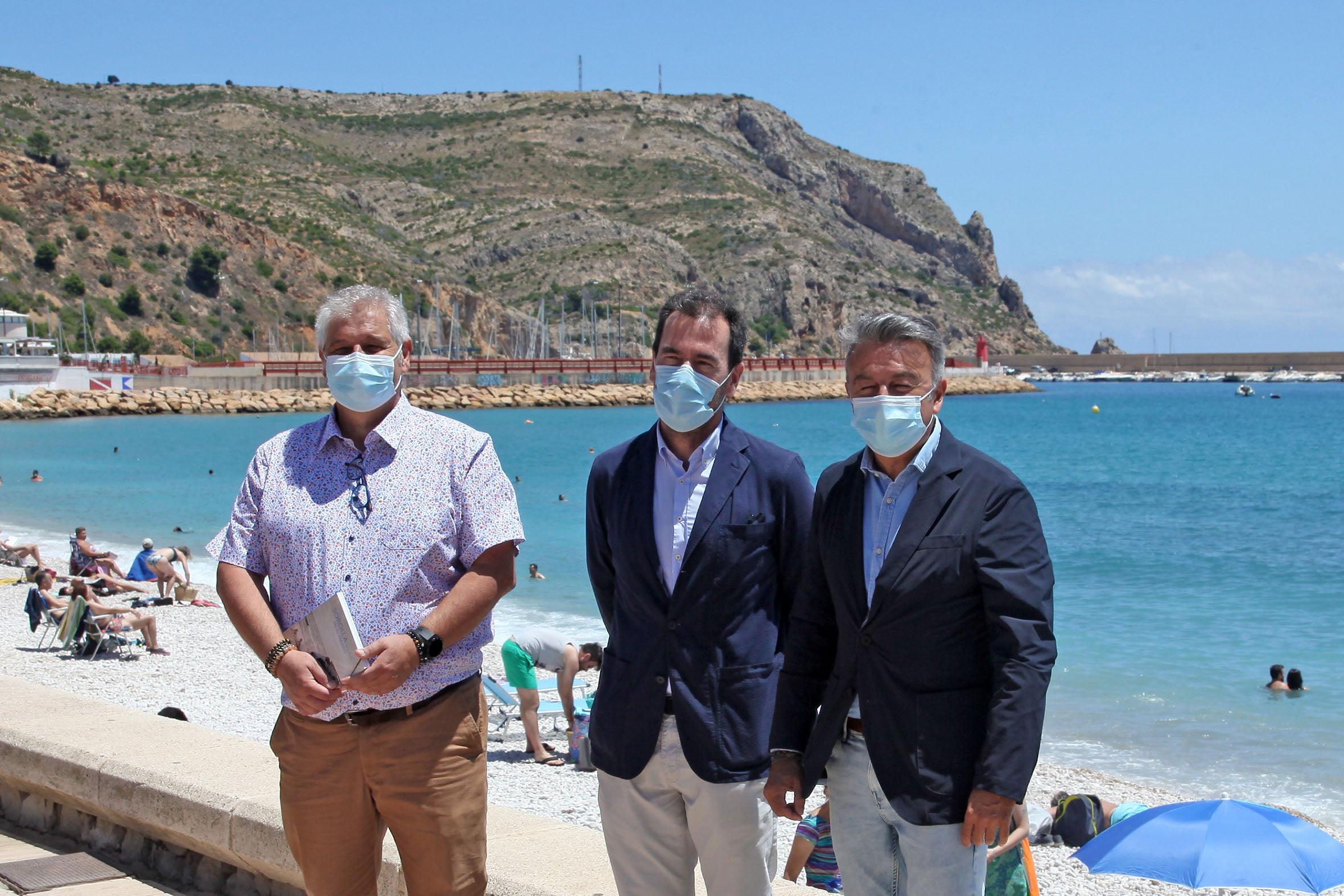 Visita al paseo marítimo de Xàbia que llevará el nombre de Joaquín Sorolla