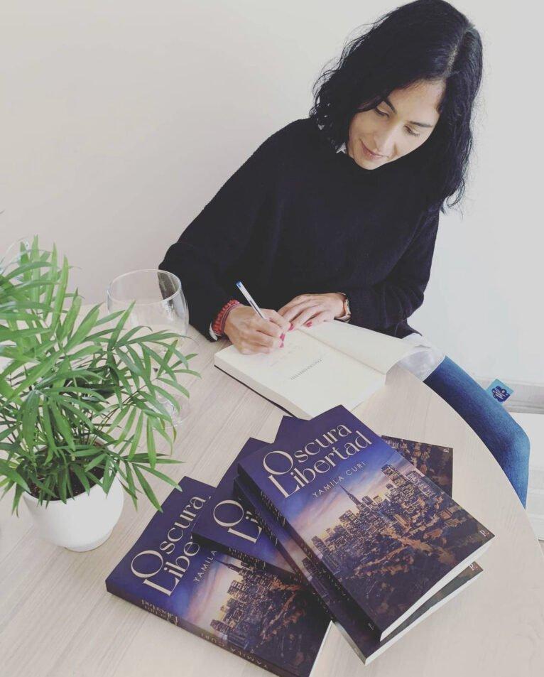 Yamila Curi firman su primera novela