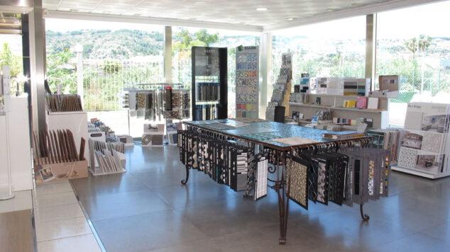 Imagen: Consulta por sus exposiciones - Azulejos Javea