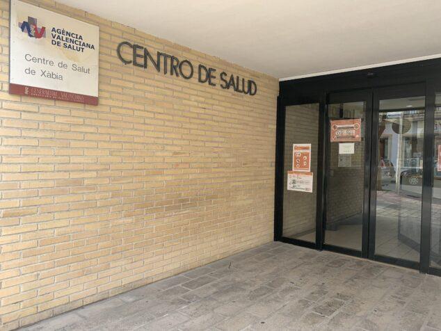Imagen: Entrada del Centro de Salud de Xàbia