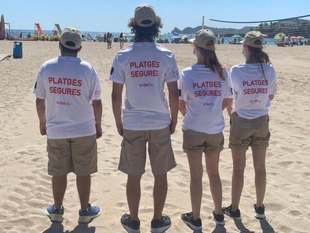 Imagen: Los jóvenes inician desde hoy la labor informativa en las playas de Xàbia
