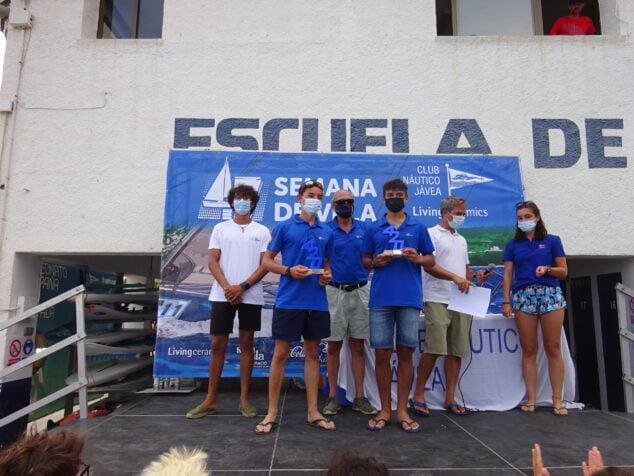 Imagen: Entrega de trofeos de la Semana de la Vela del CN Jávea