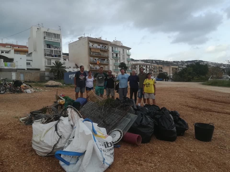 Gran cantidad de escombros recogidos en una de las limpiezas