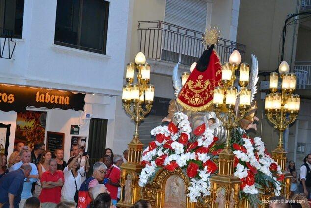 Imagen: Manto de la Virgen en la procesión de 2018