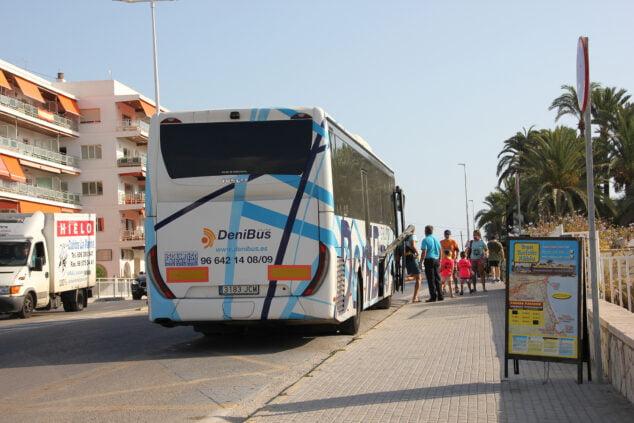 Imagen: Parada de autobús en la parte norte de la playa