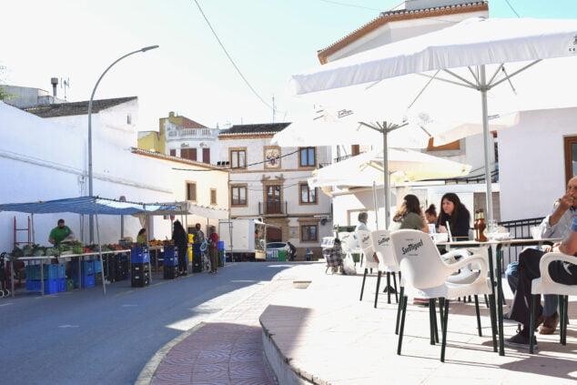 Imagen: Puestos de vente y terrazas en Benitatxell