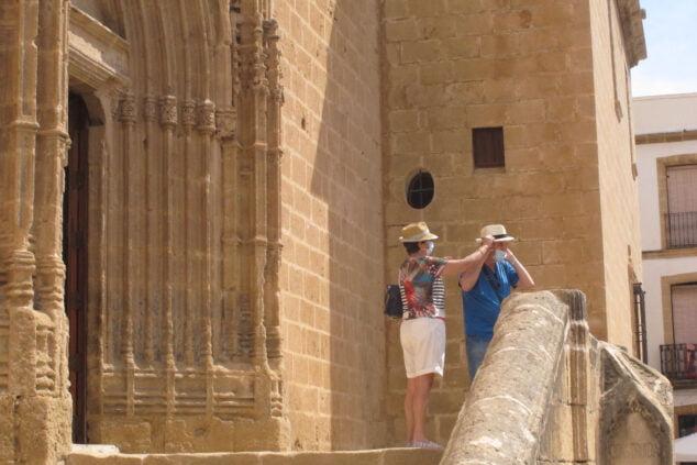Imagen: Turistas en el centro histórico de Xàbia