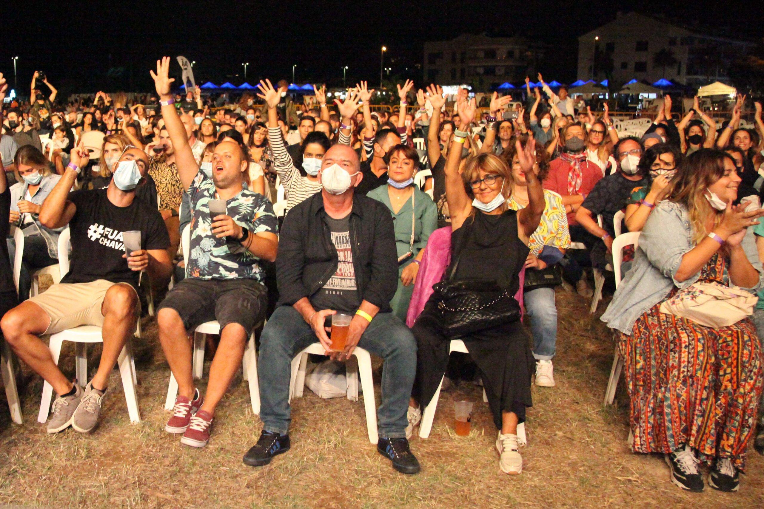Animado público durante el concierto de DePedro