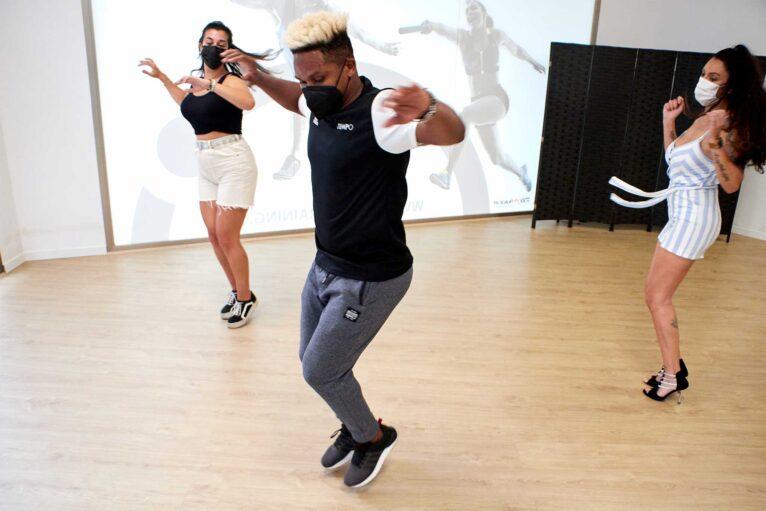 Bailar salsa Javea - Tiempo Personal Training Center