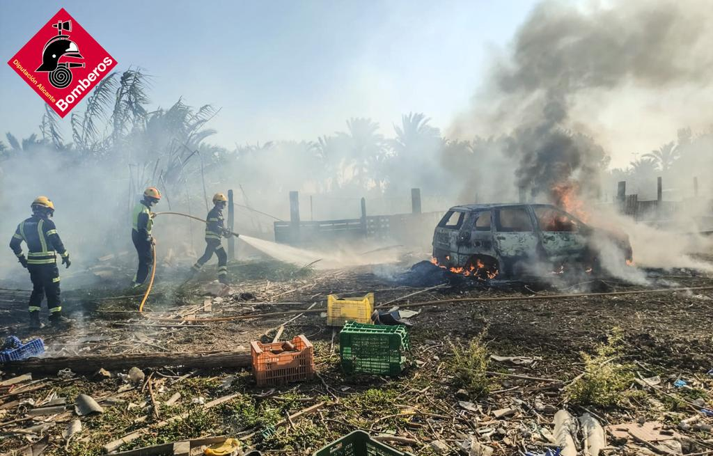 Bomberos sofoca las llamas