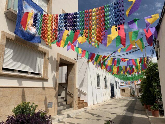 Imagen: Calle engalanada en Fiestas de Loreto 2021