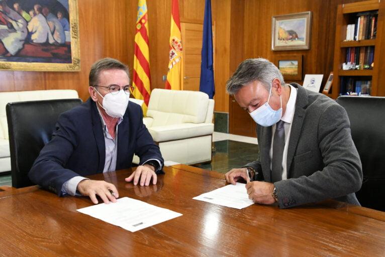 Firma del convenio de colaboración con el Colegio de Notarios