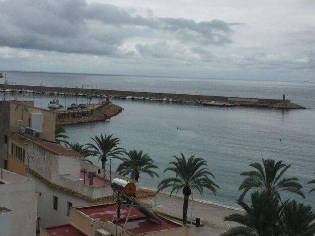 Imagen: Día nublado en el puerto de Xàbia