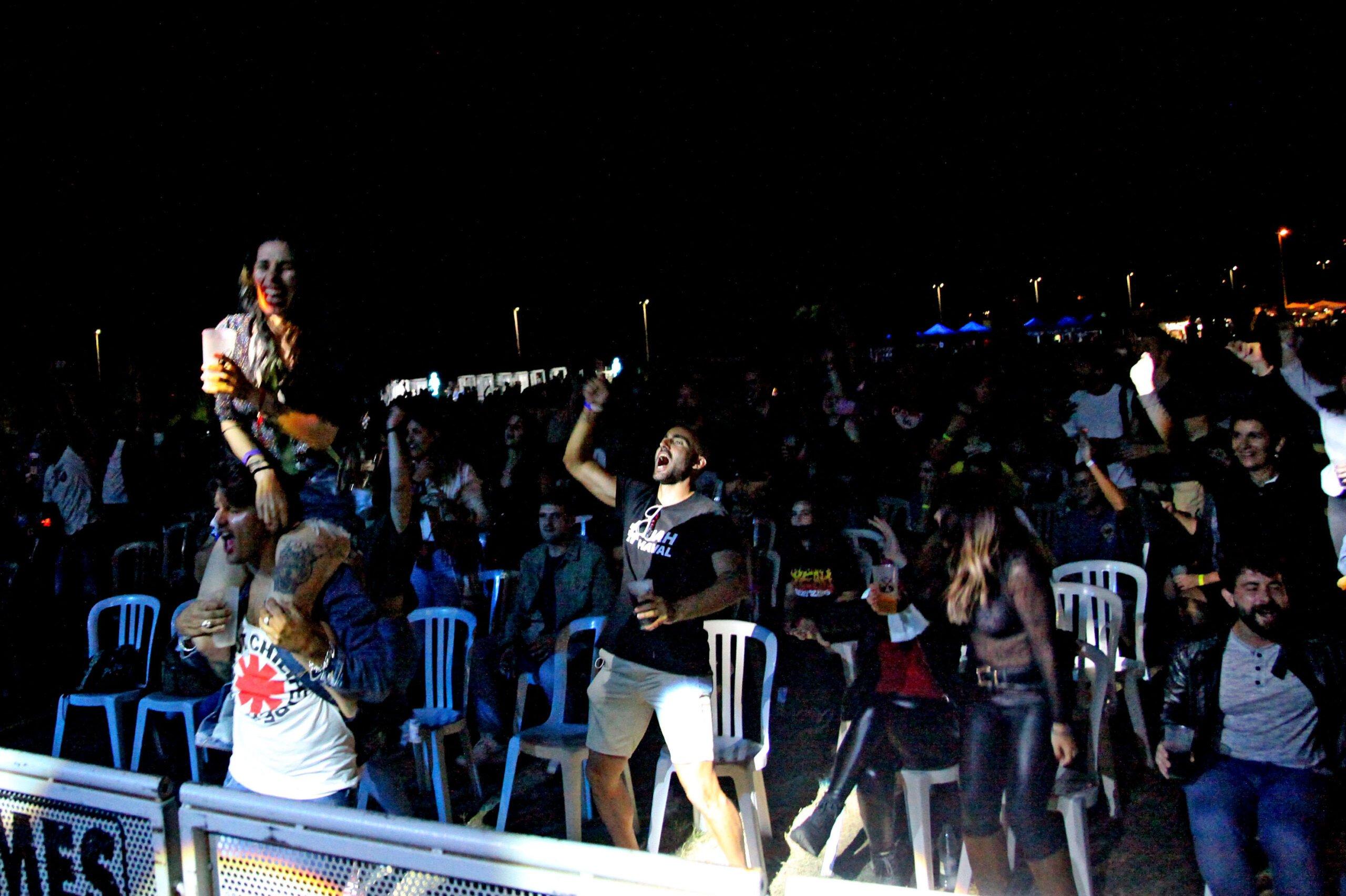 El público disfruta en el concierto de Sexy Zebras