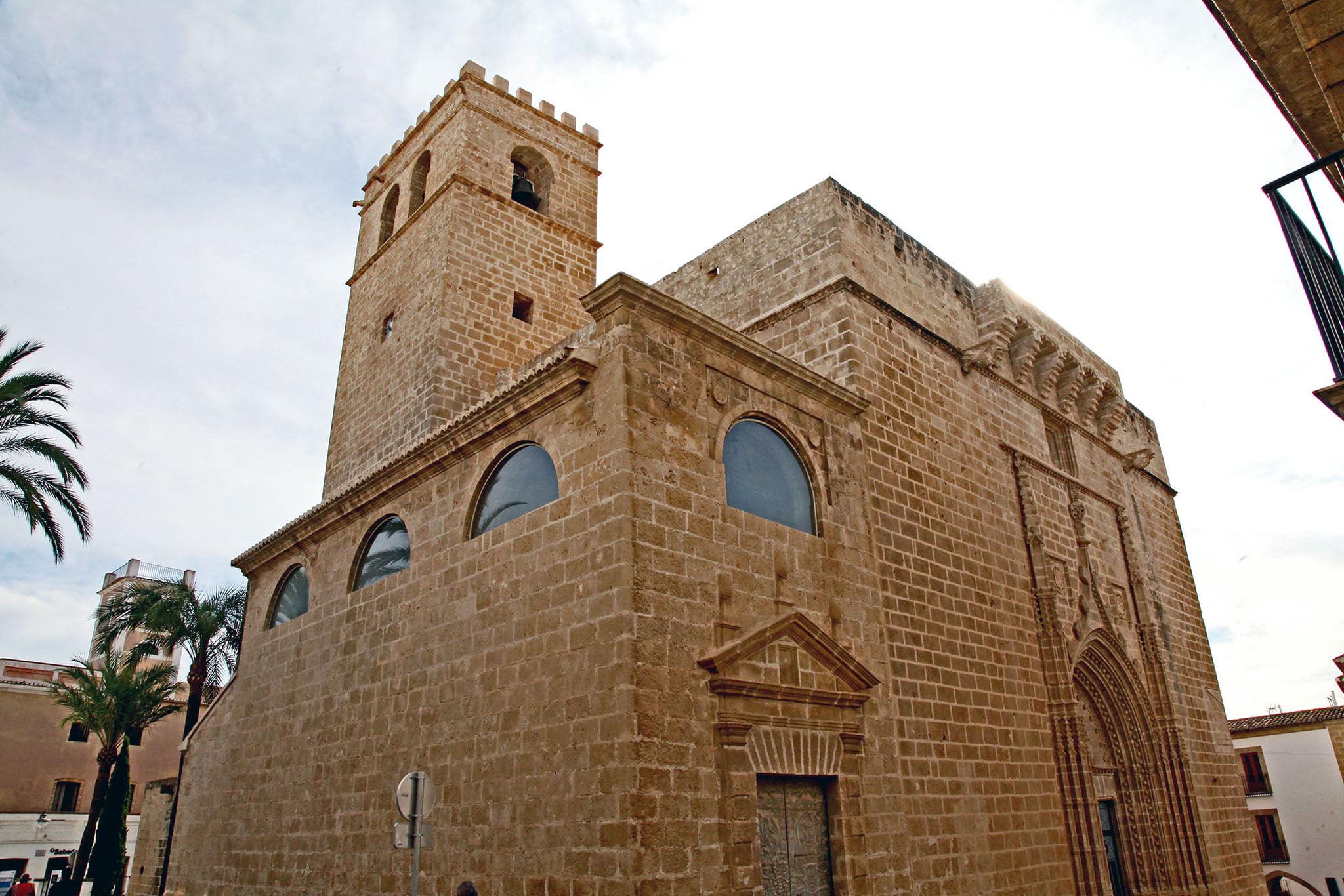 Iglesia San Bartolomé en el centro histórico de Xàbia