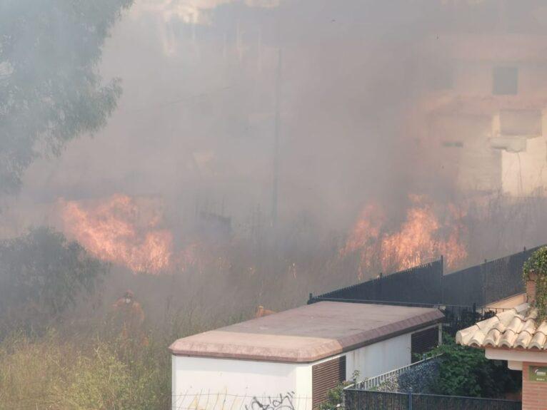 Llamas del incendio declarado en Xàbia