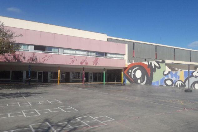 Imagen: Patio de primaria del CEIP Arenal