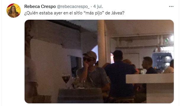 Imagen: Un periodista caza a Juan Carlos Monedero en un local de Xàbia