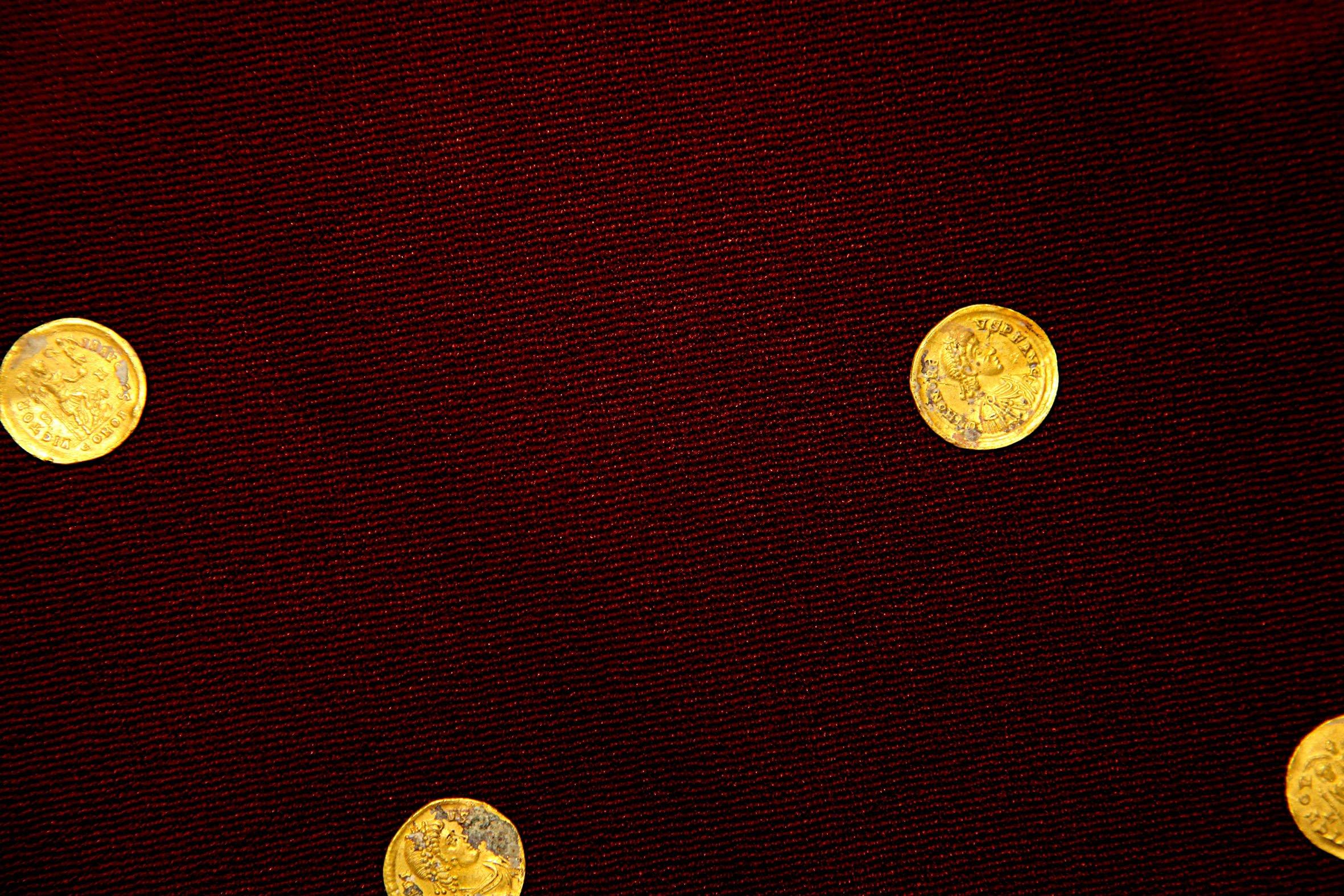 Varias de las monedas de oro de la época romana encontradas