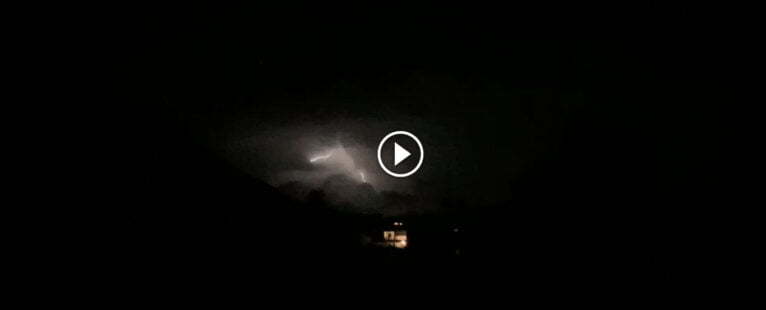 video tormenta eléctrica