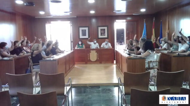 Imagen: Votación unánime en el pleno municipal