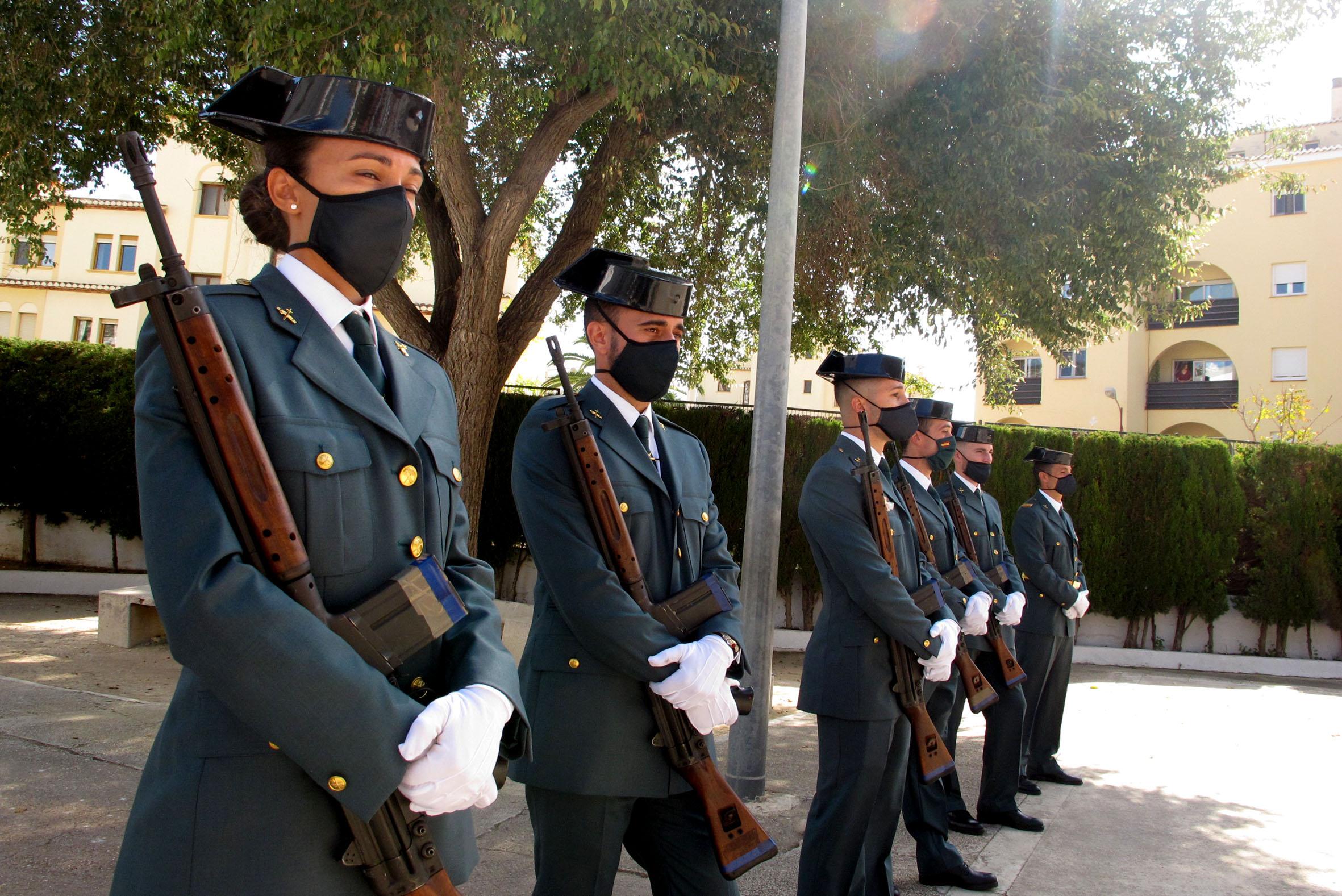 Acto de la Guardia Civil en el día del Pilar (13)
