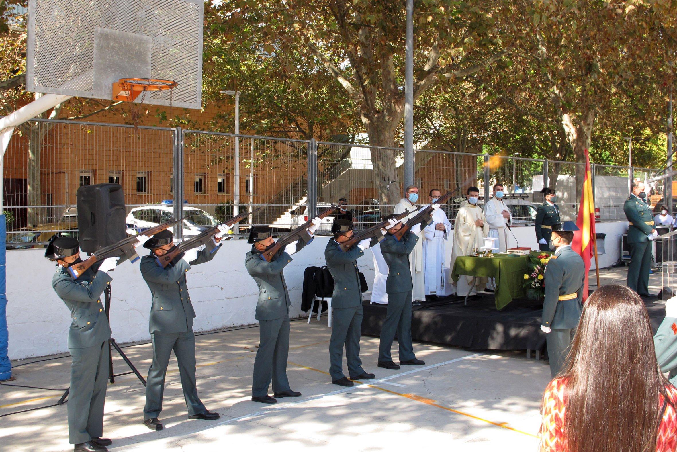 Acto de la Guardia Civil en el día del Pilar (39)
