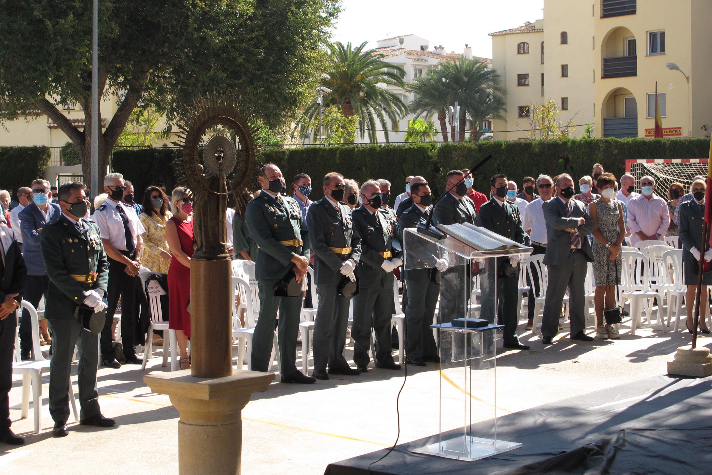 Acto de la Guardia Civil en el día del Pilar (8)