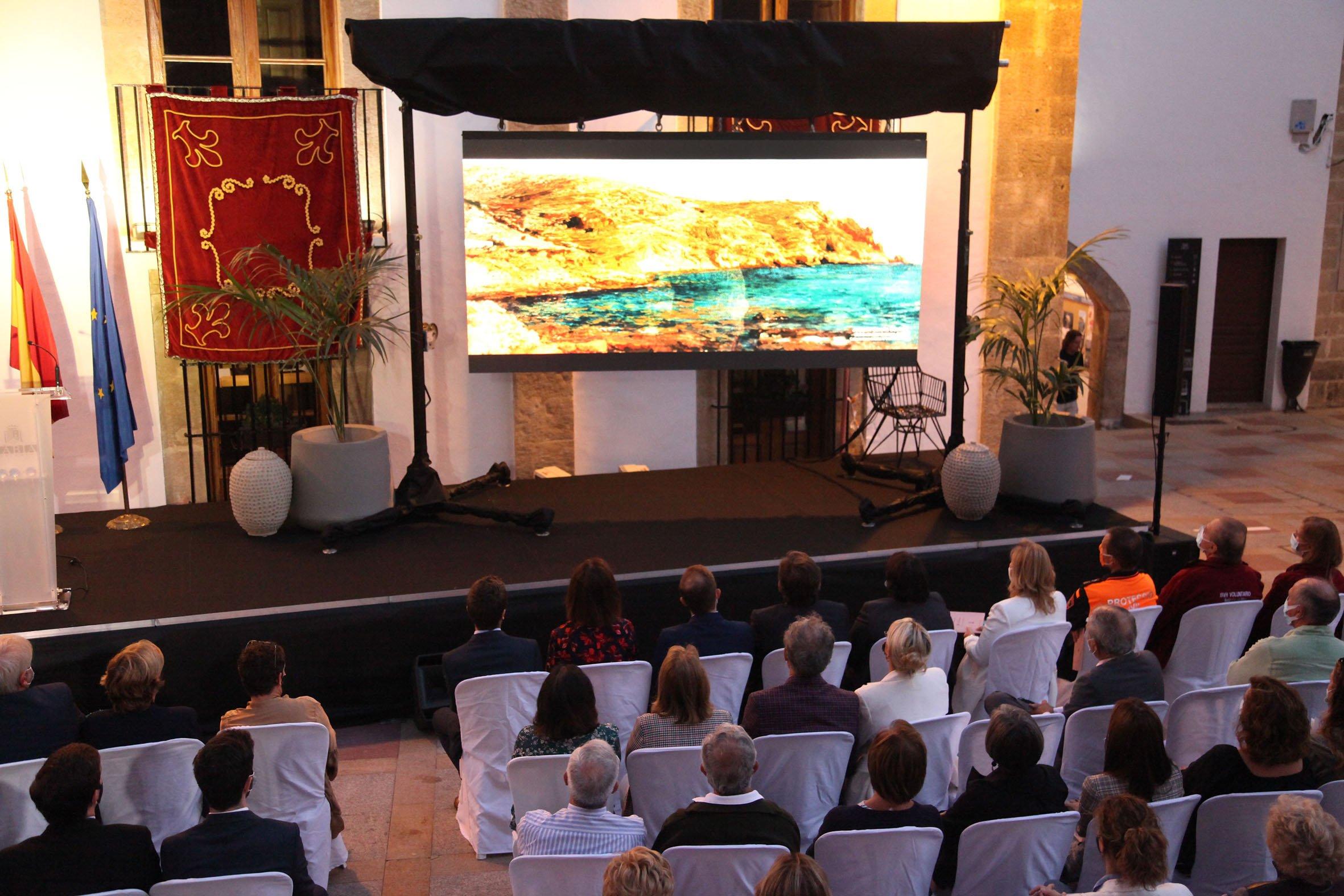 Acto institucional 9 d'octubre-Premi Vila de Xàbia a Fundación Museo Sorolla (10)