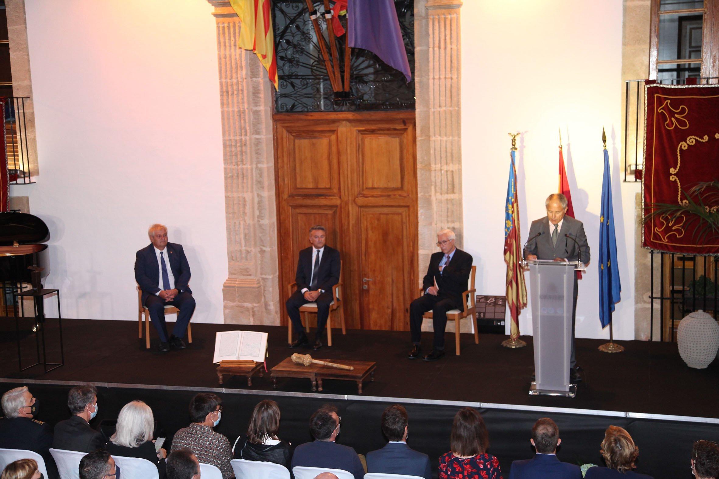 Acto institucional 9 d'octubre-Premi Vila de Xàbia a Fundación Museo Sorolla (13)