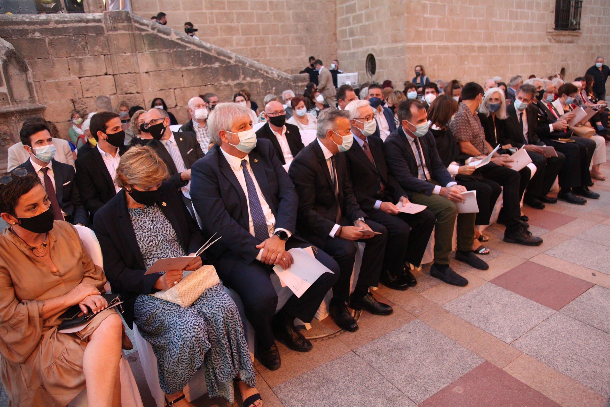 Acto institucional 9 d'octubre-Premi Vila de Xàbia a Fundación Museo Sorolla (3)