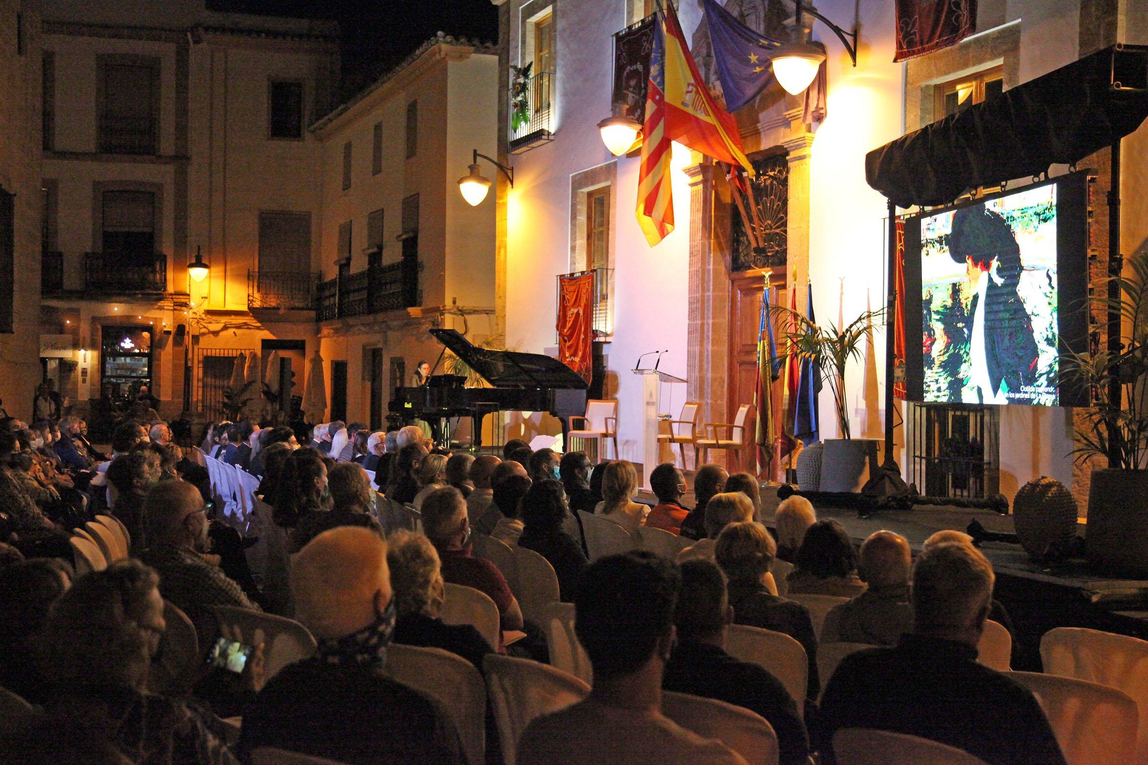 Acto institucional 9 d'octubre-Premi Vila de Xàbia a Fundación Museo Sorolla (35)