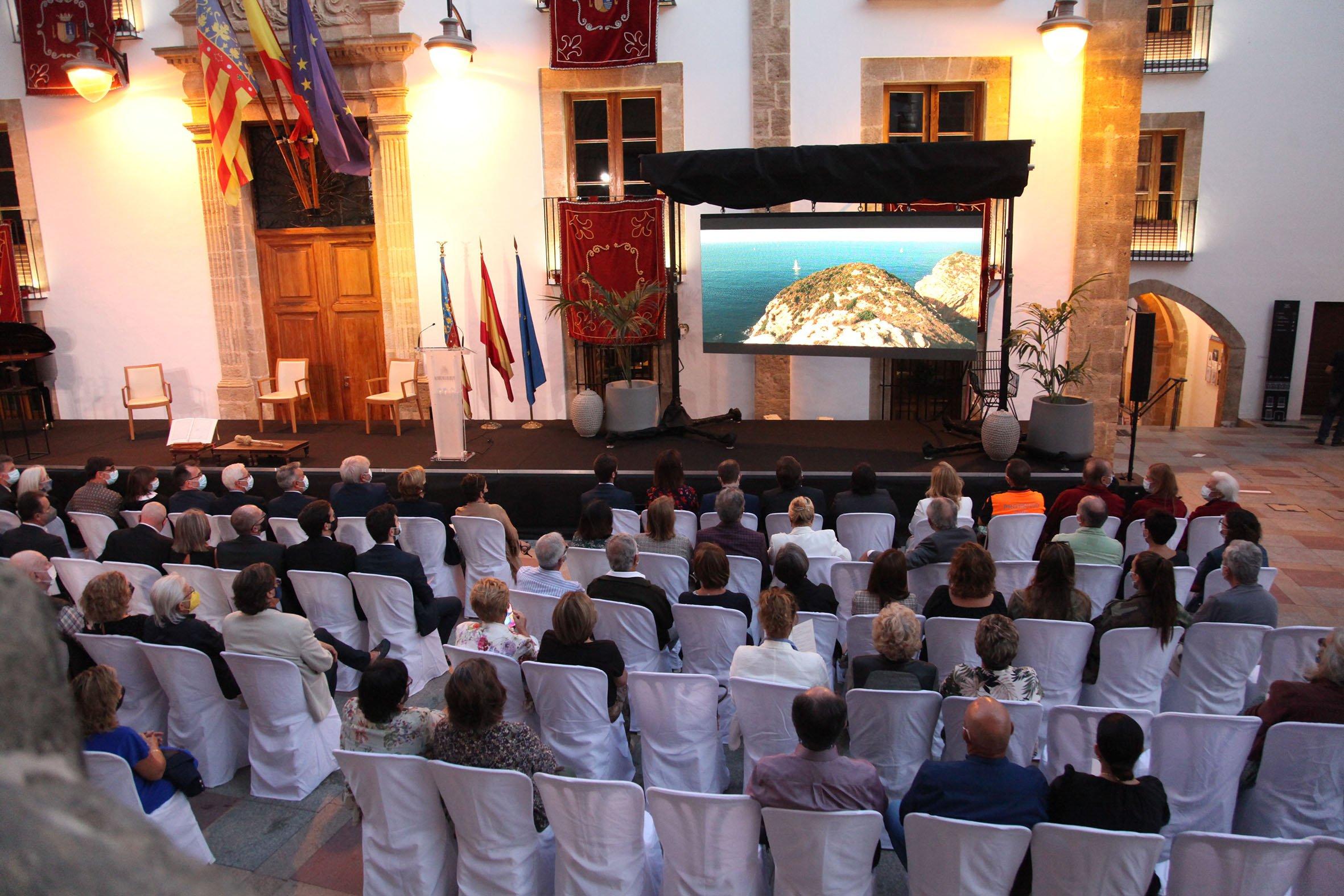Acto institucional 9 d'octubre-Premi Vila de Xàbia a Fundación Museo Sorolla (8)