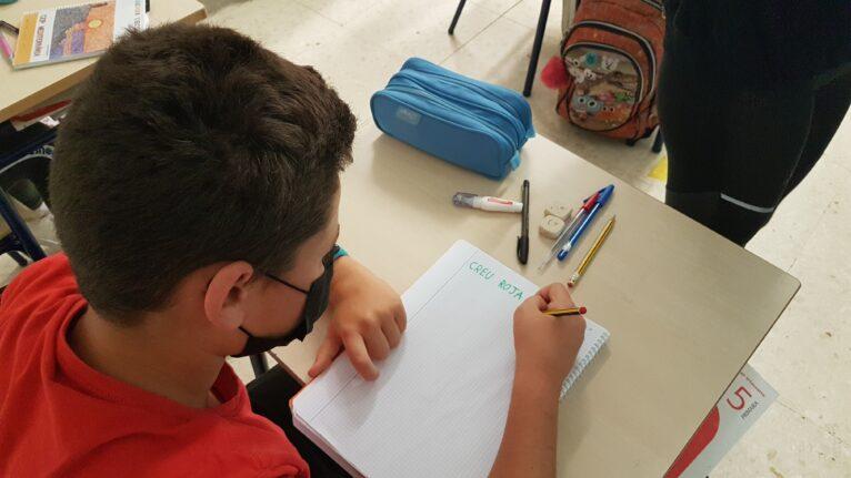 Alumno durante una clase