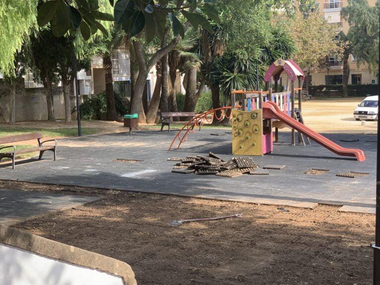Inician los trabajos de retirada de caucho del parque de thiviers