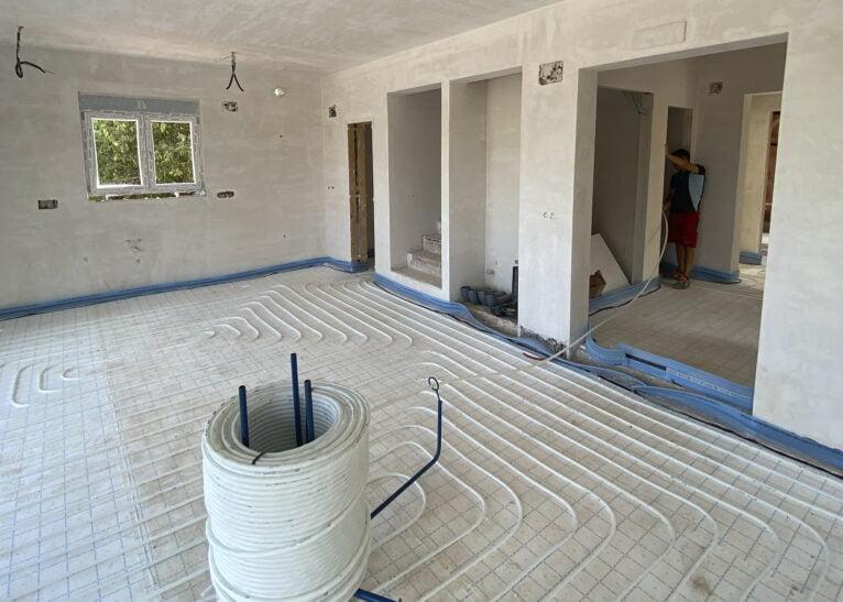 Interior de vivienda de obra nueva con Quitec