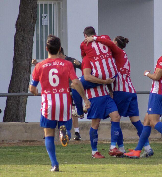 Imagen: Jugadores del CD Jávea celebrando un gol