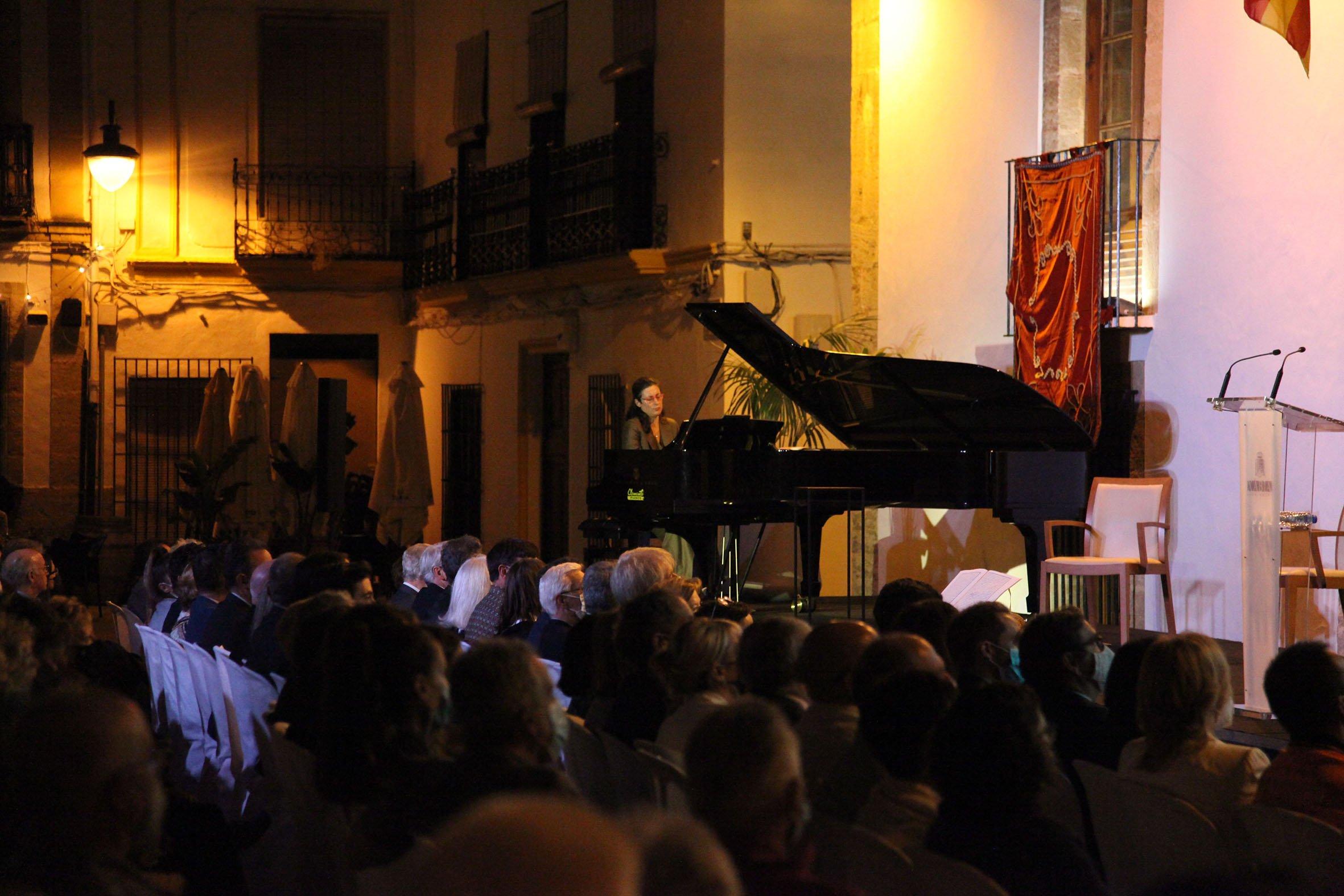 Recital de piano de Marta Espinós en el acto 9 octubre dedicado a Sorolla