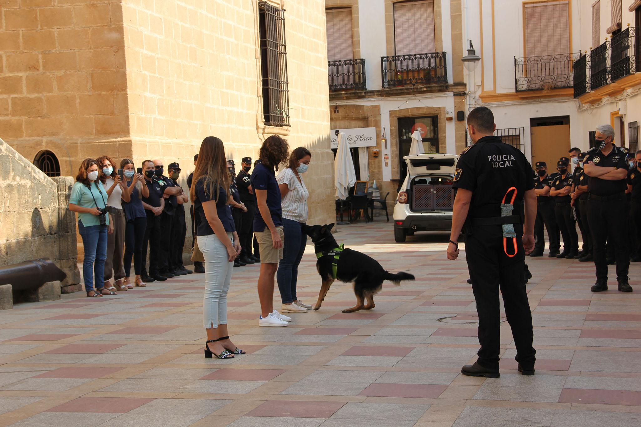 Simulacro de la Unidad Canina de la Policía de Xàbia